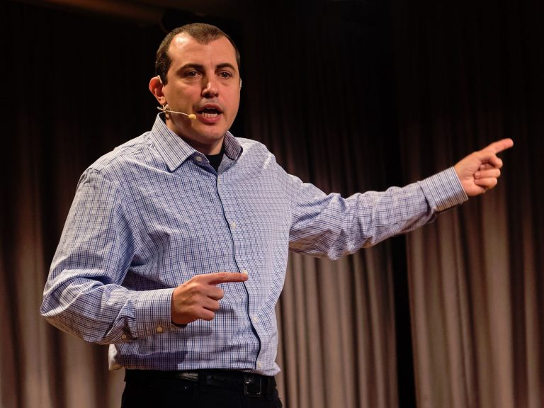 andreas_m_antonopoulos_in_zurich_2016-wiki-768x576
