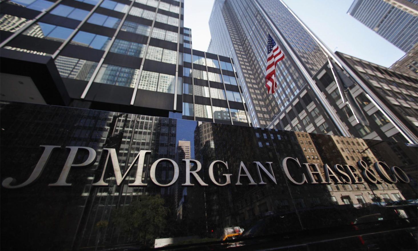 Mixed Messages Fly as JP Morgan Posts Job Ad for Blockchain Technician