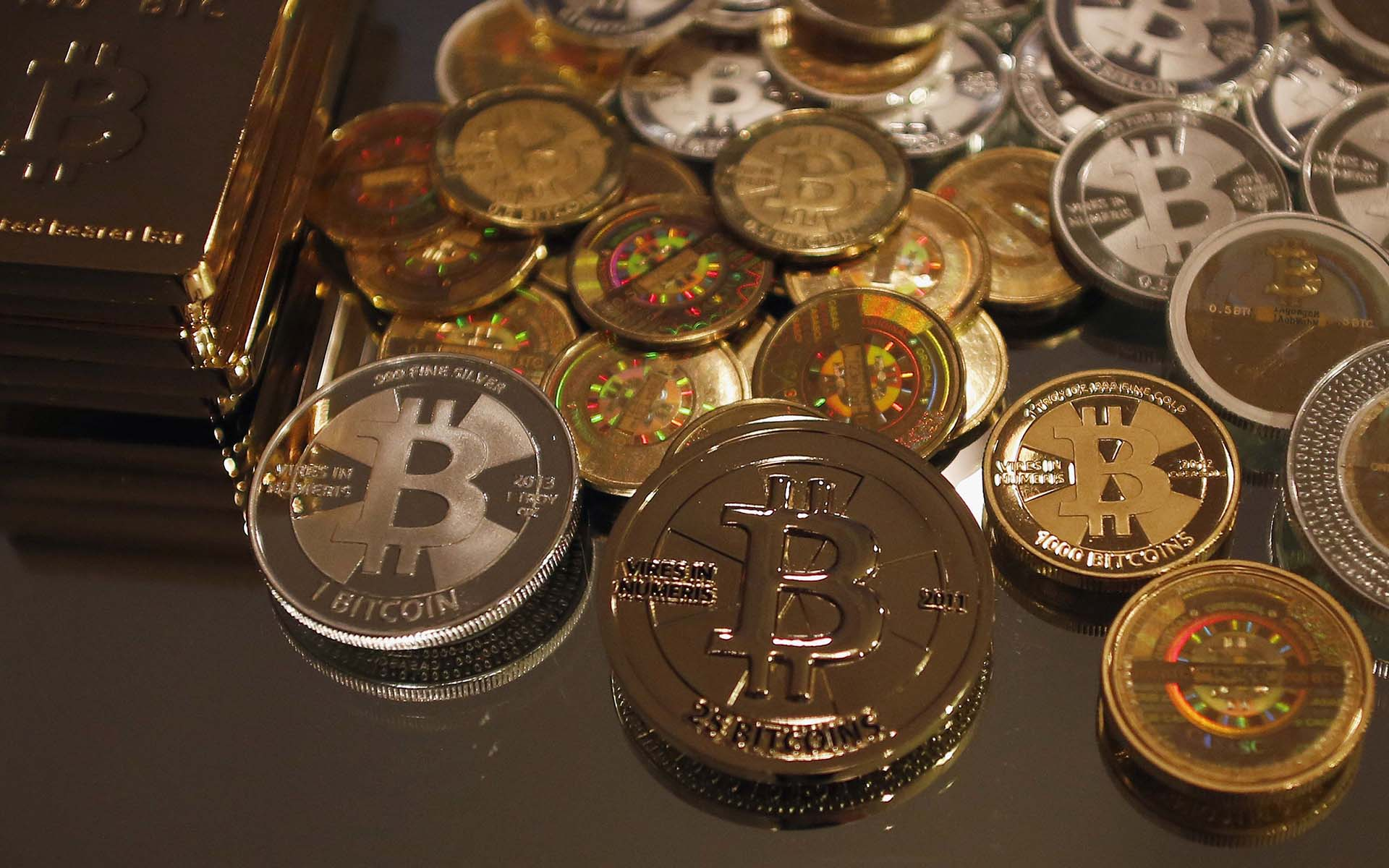 Fortune Goes All-Out For Bitcoin As Coinbase CEO Admits 'Bubble'