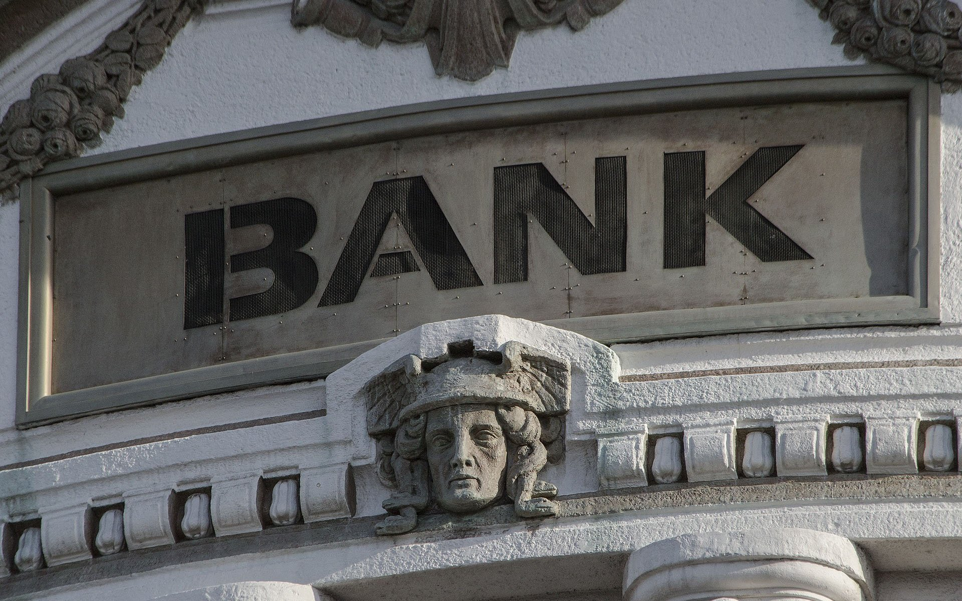 central banks Central banks need to walk the talk on increasing transparency and publicly disclosing the financial implications of climate change ( may 15) at the end of 2015, the.