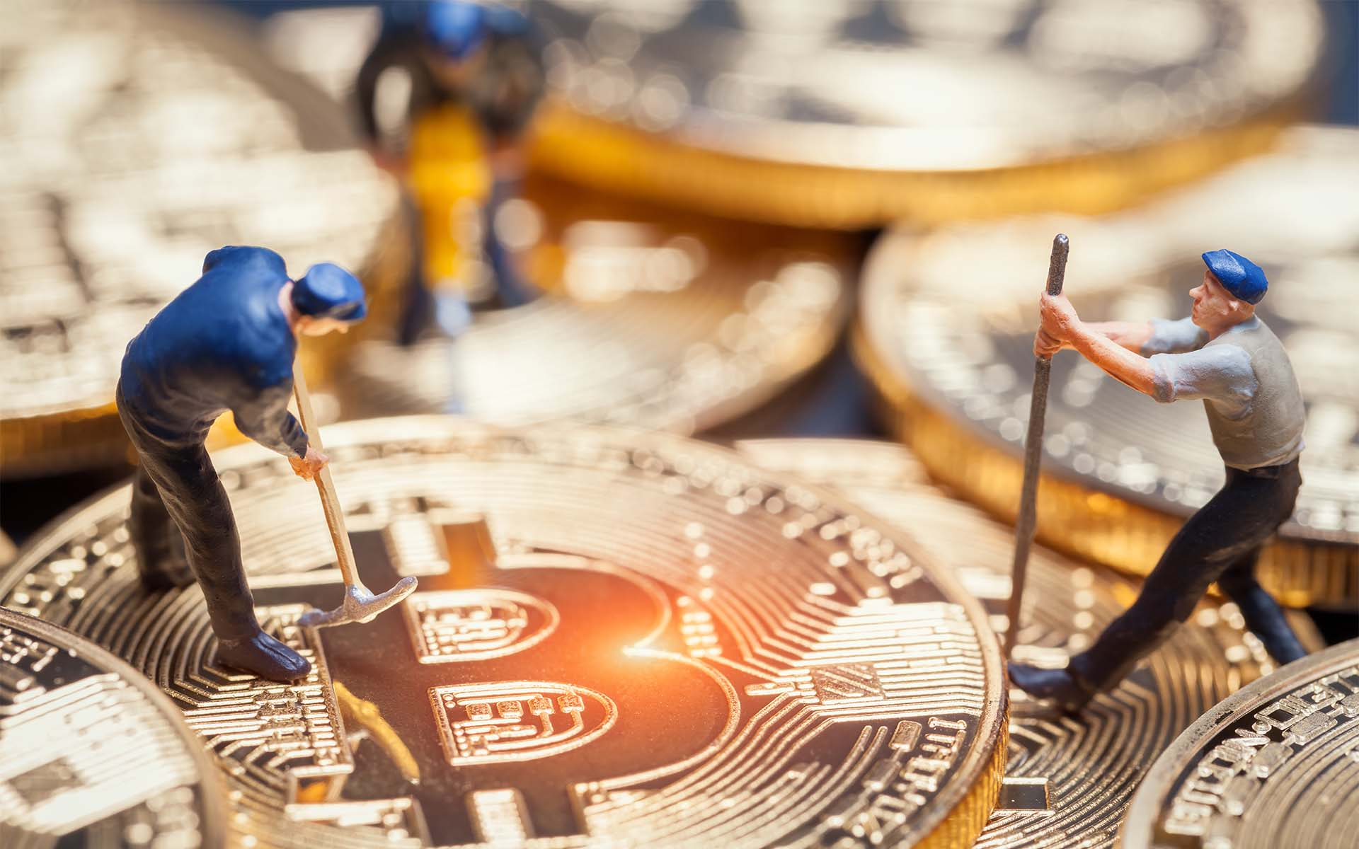 'Is Crypto Mining The Public?' Goldbugs Tell Media Gold Will Be Great Again