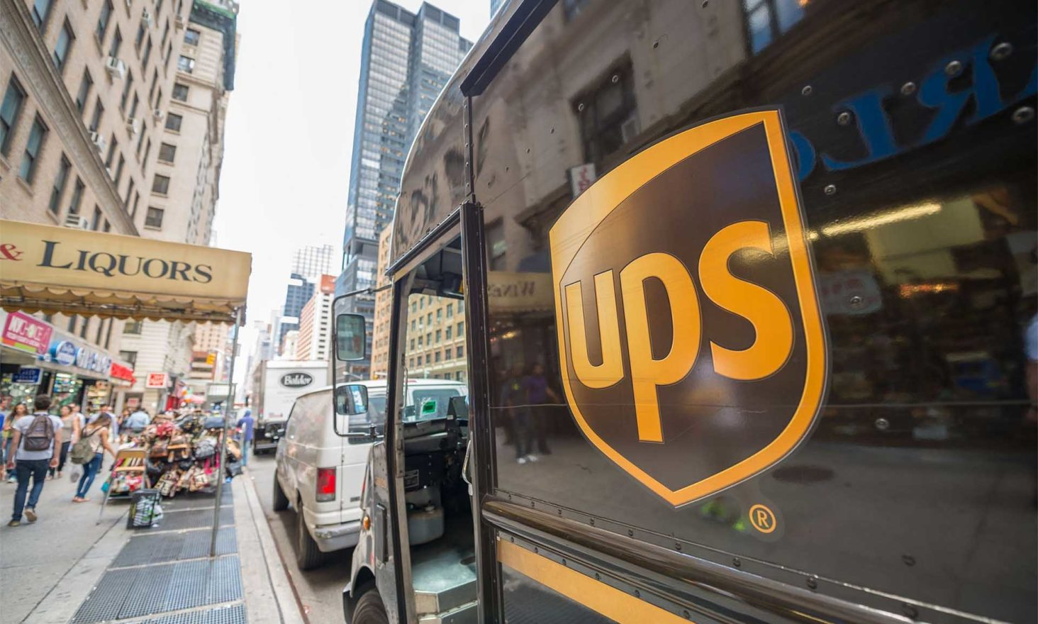 United Parcel Service (UPS) Patents Decentralized Locker Bank That Accepts Bitcoin