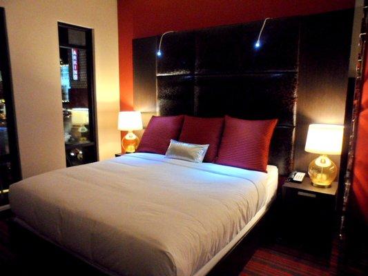 hotel_room
