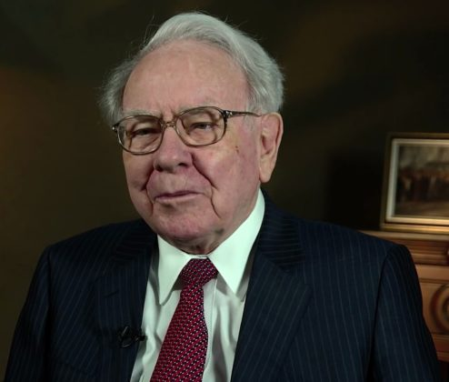 Should Berkshire Hathaway Boss Warren Buffett 'Buy The Bitcoin Dip'?