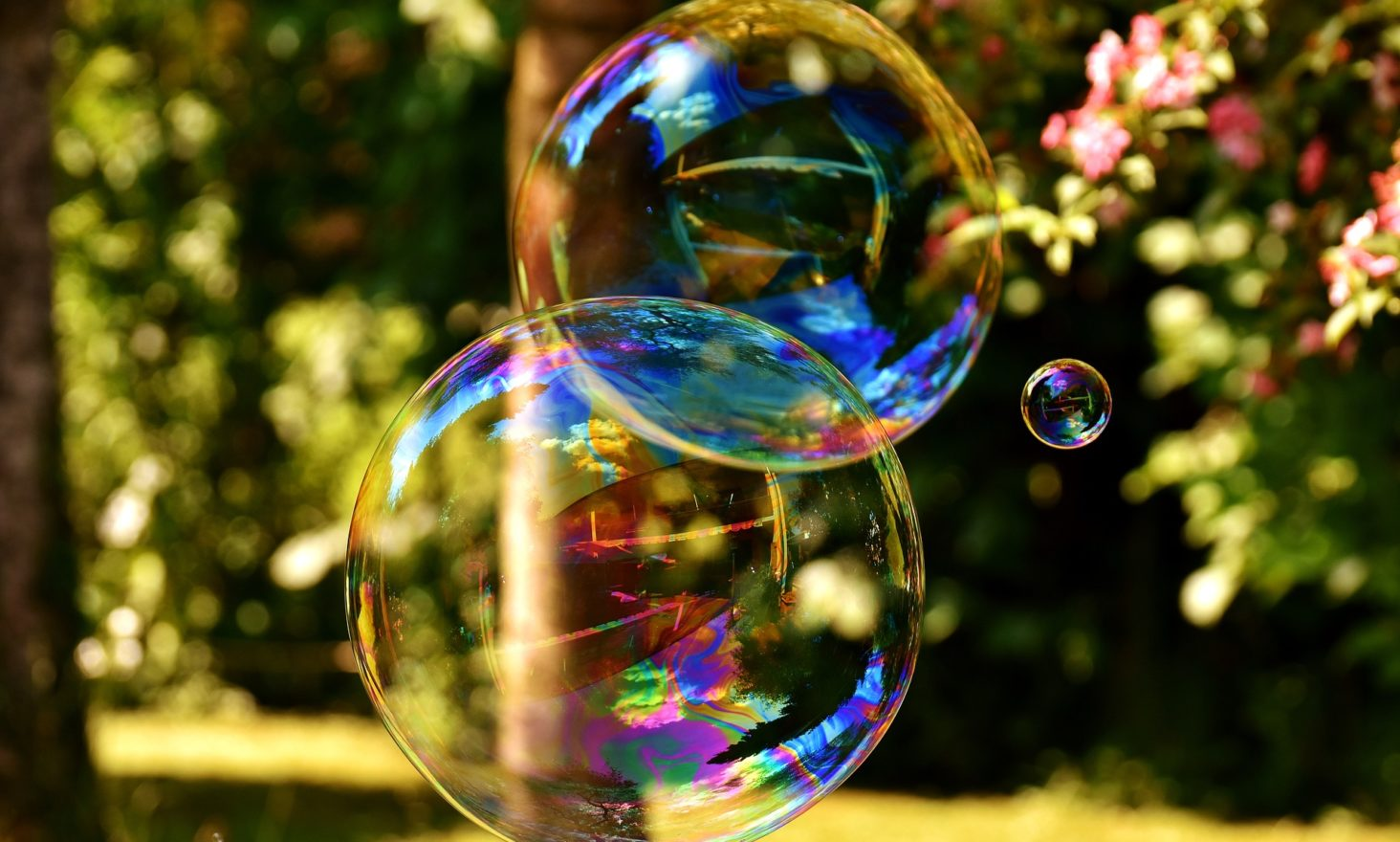 How Does Bitcoin Work? Is It Really a Bubble?