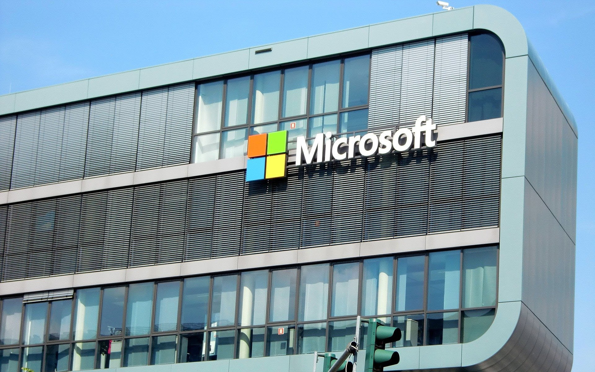 Goodbye Bitcoin Cash? Microsoft: On-Chain Scaling 'Degrades Decentralization'