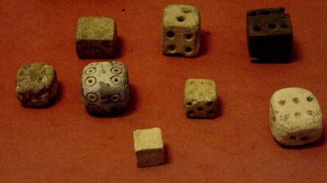 Ancient gaming dice - Louvre Museum