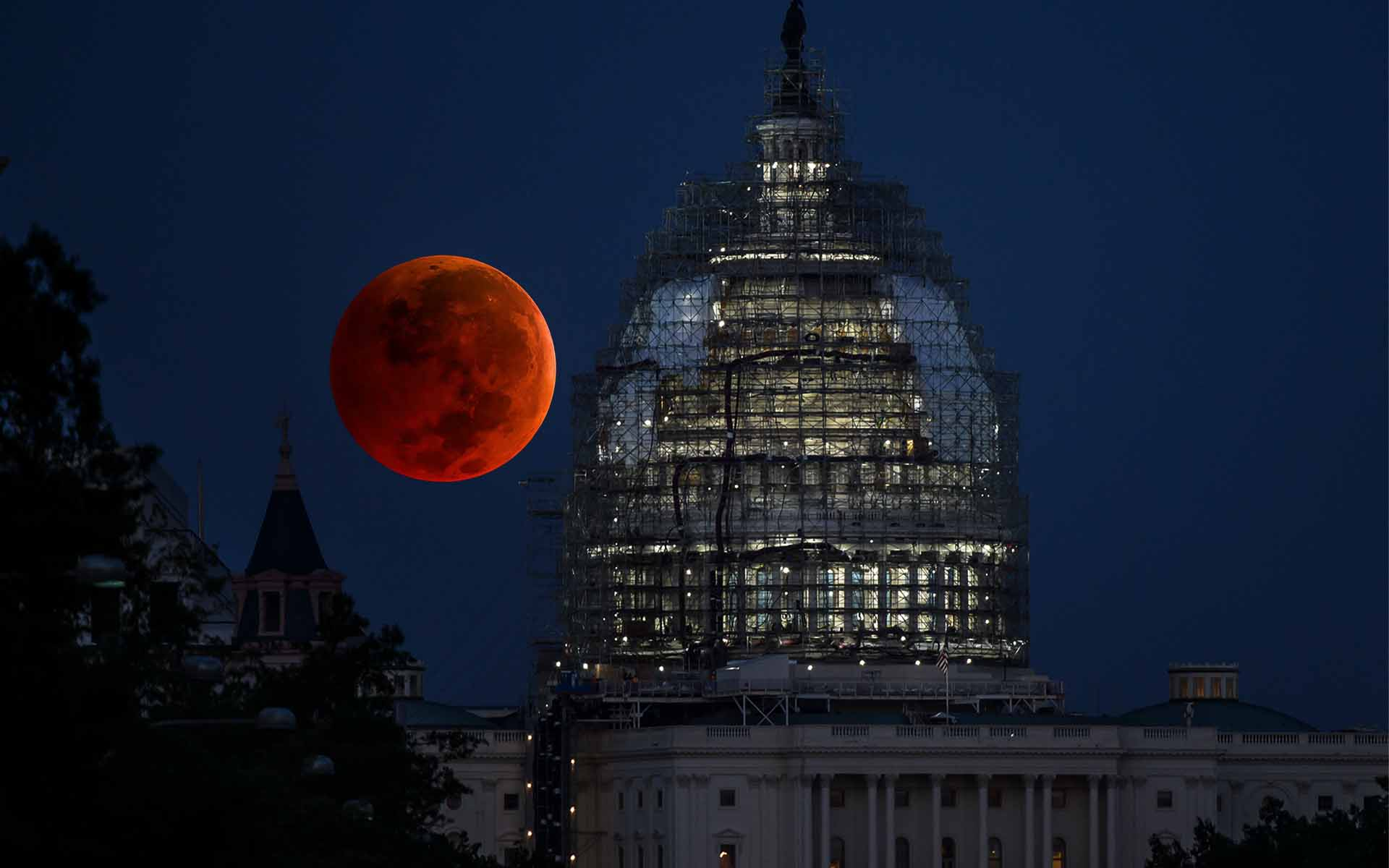 Rarer Than Last Week's Super Blue Blood Moon, CNBC Plugs Bitcoin