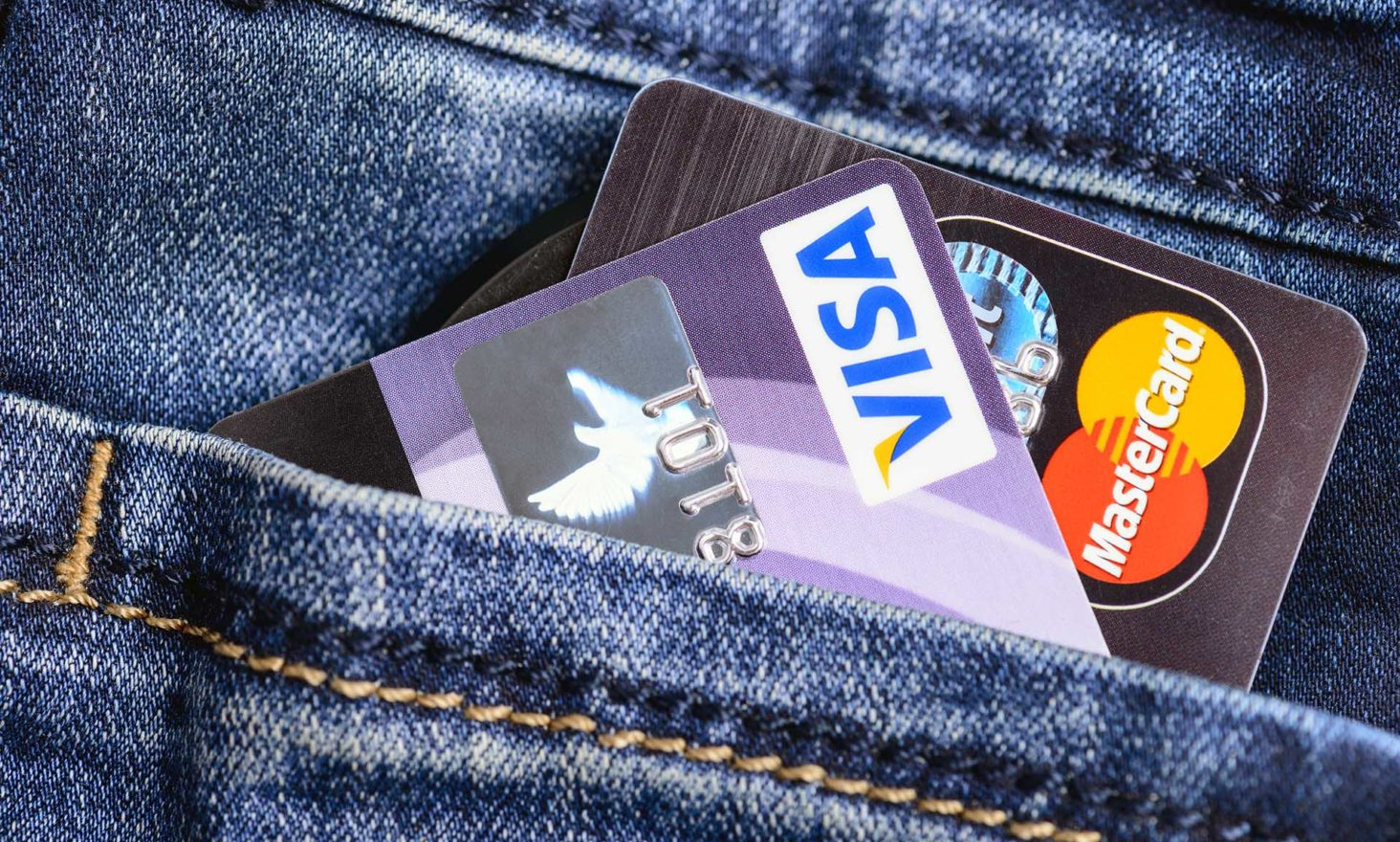 Fearing Bitcoin, VISA and Mastercard Reclassify Crypto Purchases as 'Cash Advances'