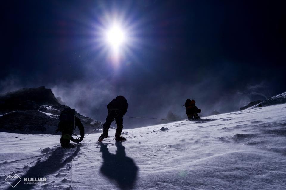 ASKfm climbing Everest
