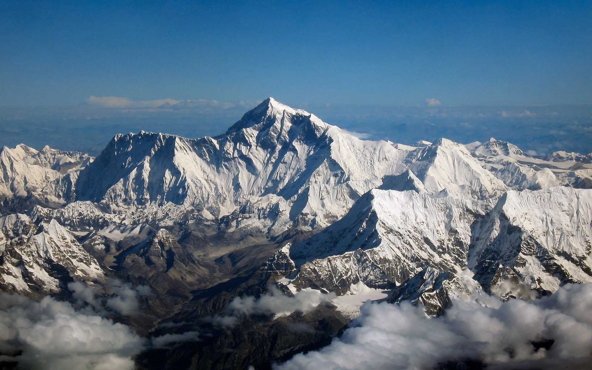 No One to Blame for ASKfm's Tragic Mt. Everest Expedition