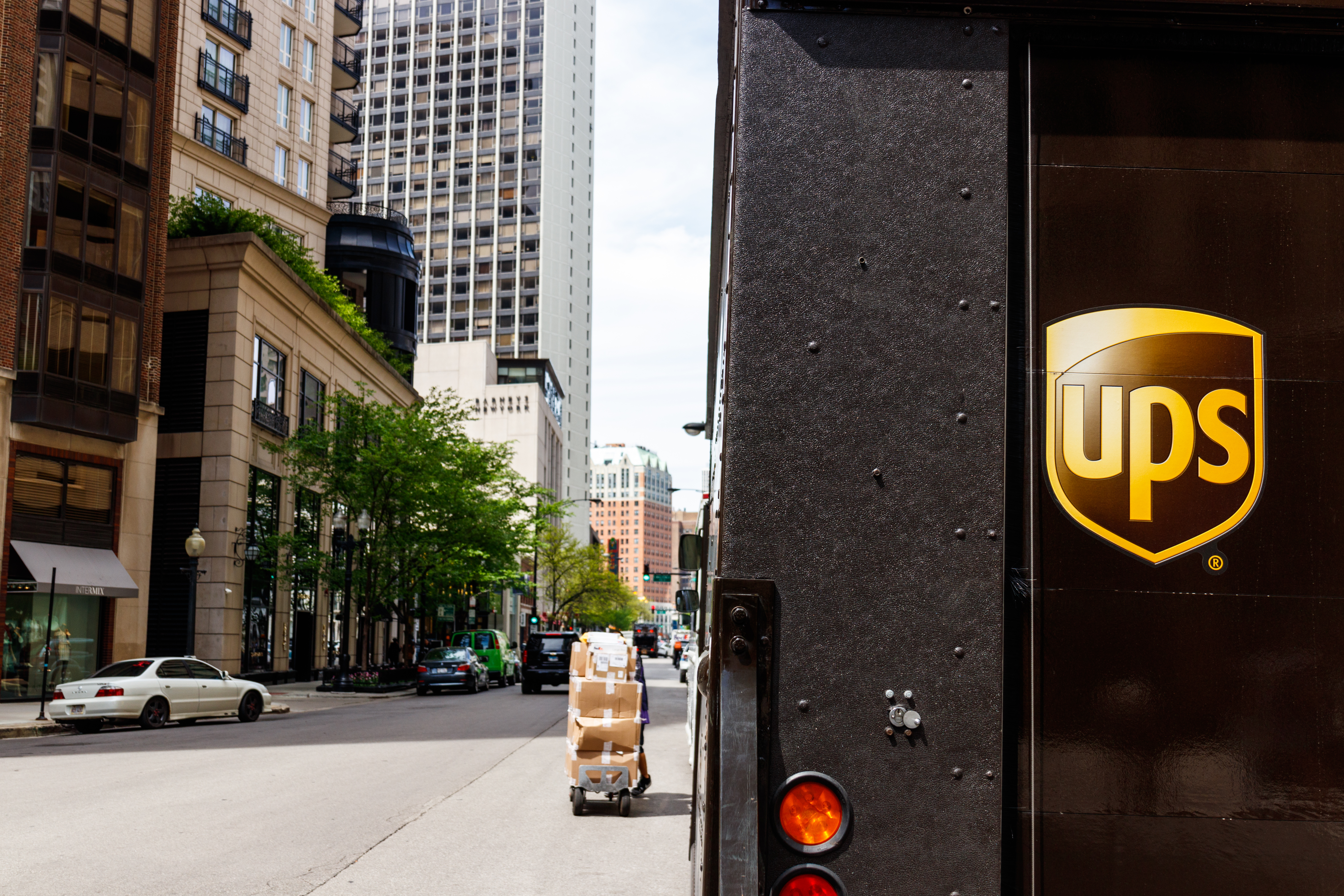 UPS Files For a Patent for Blockchain-based Shipping System