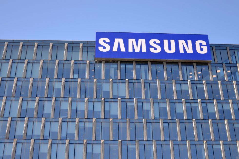 Experts Refute Samsung's Claims That Smartphones are Best to Store Cryptocurrency