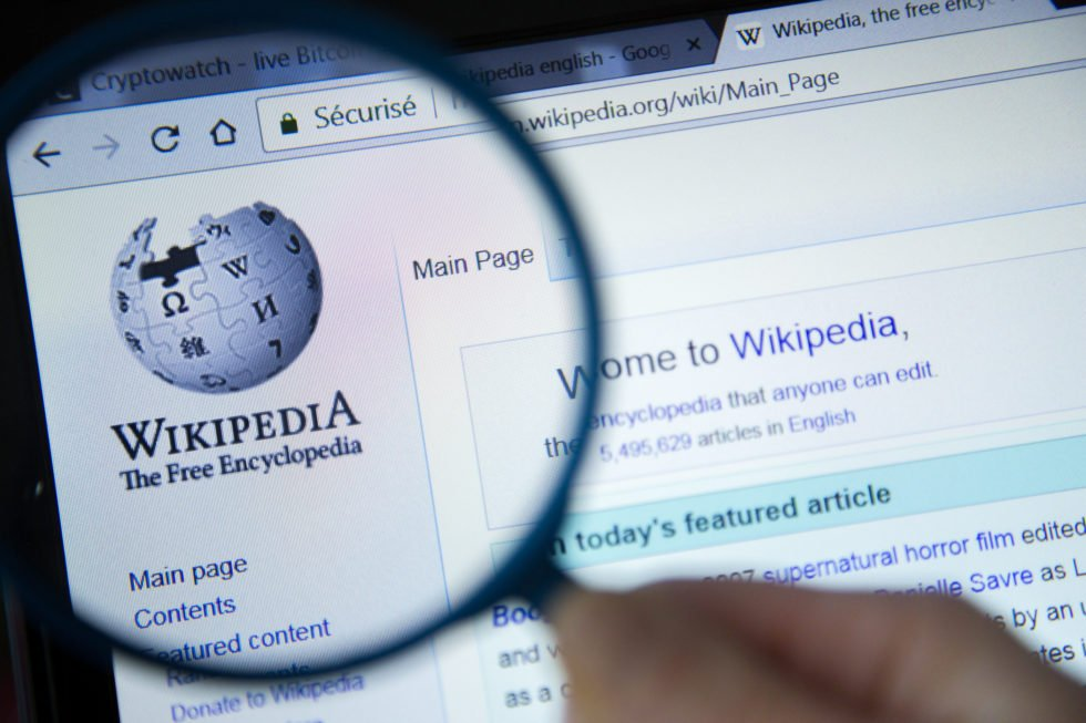 The founder of Wikipedia non-profit, Jimmy Wales, said he had no interest in launching an Initial Coin Offering (ICO), or to turn to cryptocurrency In general