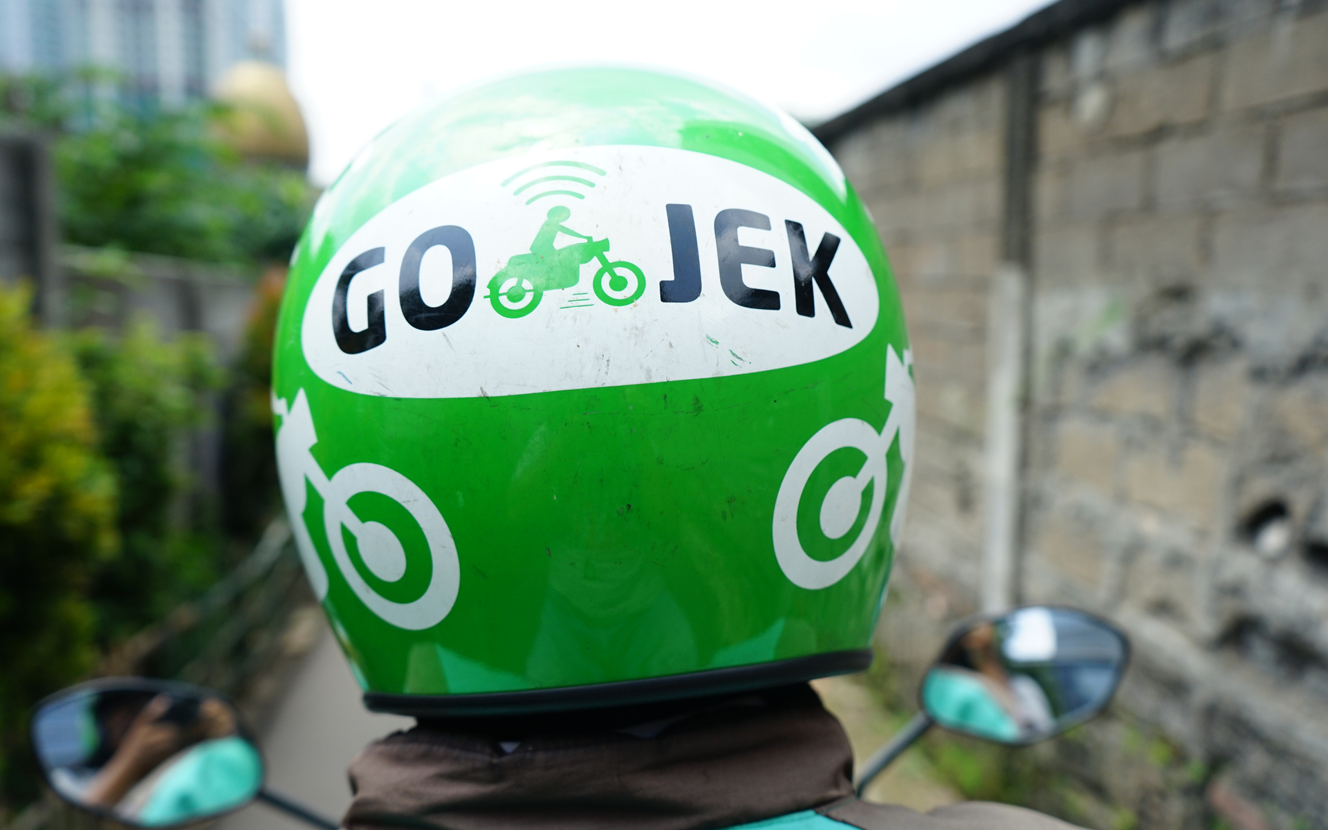 Indonesia's First Unicorn Go-Jek Buys Bitcoin Startup