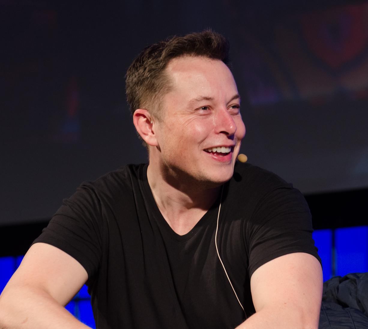 Binance CEO Waiting for Elon Musk to Take Bitcoin Lightning Torch