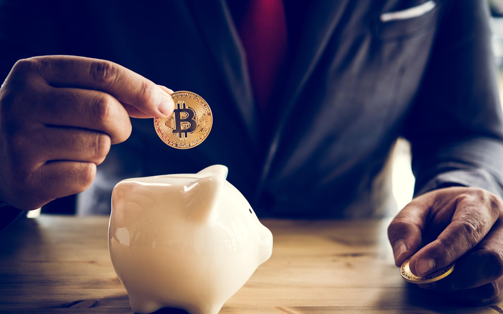 piggy bank bitcoin grayscale