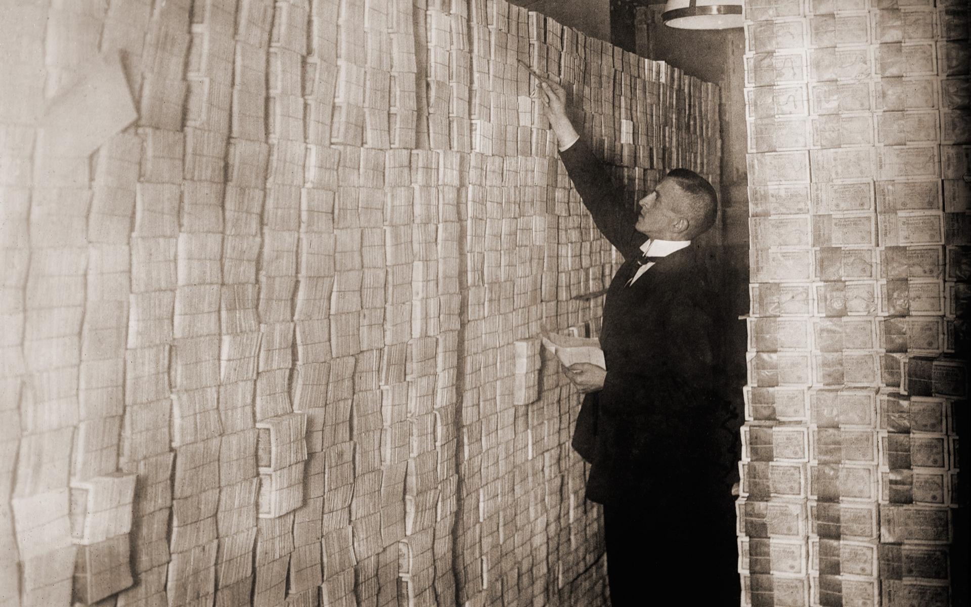 weimar republic hyperinflation us dollar bitcoin