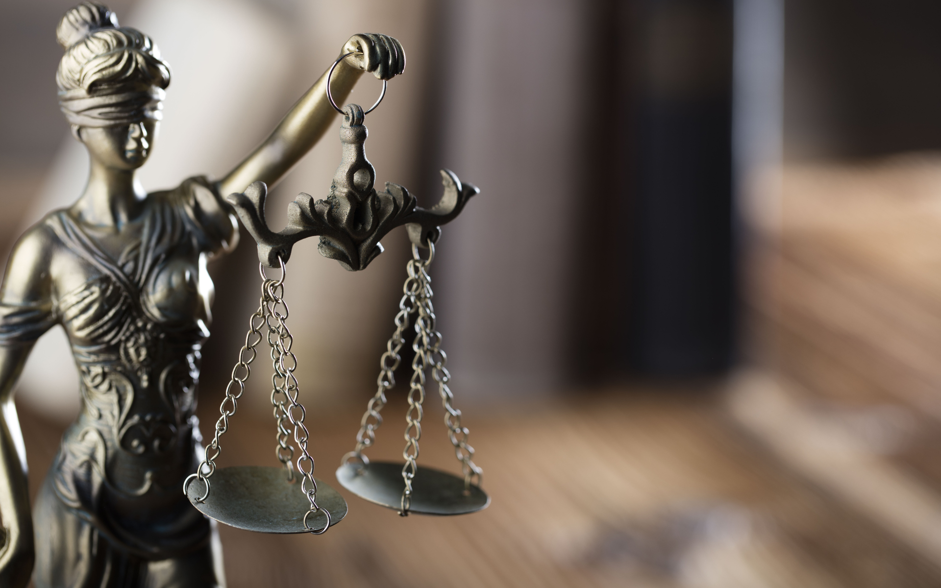 US Law Firms Compete for Consolidated $1 Trillion Bitfinex Lawsuit
