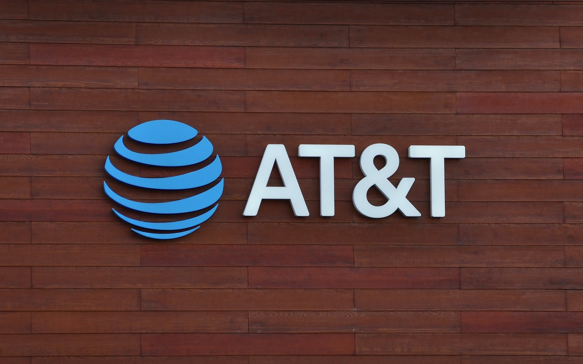 AT&T now accepts crypto for bill payments