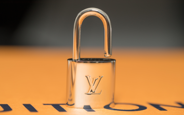 Louis Vuitton And Dior Slip Into Blockchain With New Microsoft Platform | Crypto News Monitor