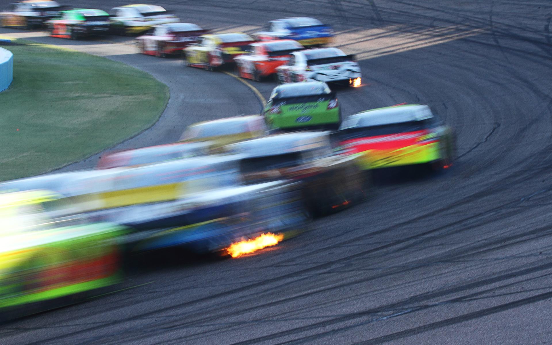 altcoins race cars bitcoin