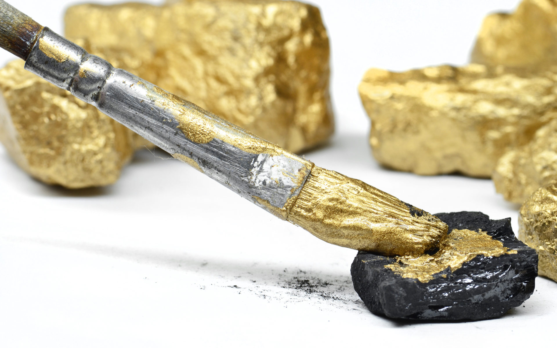 gold has fake bars not bitcoin