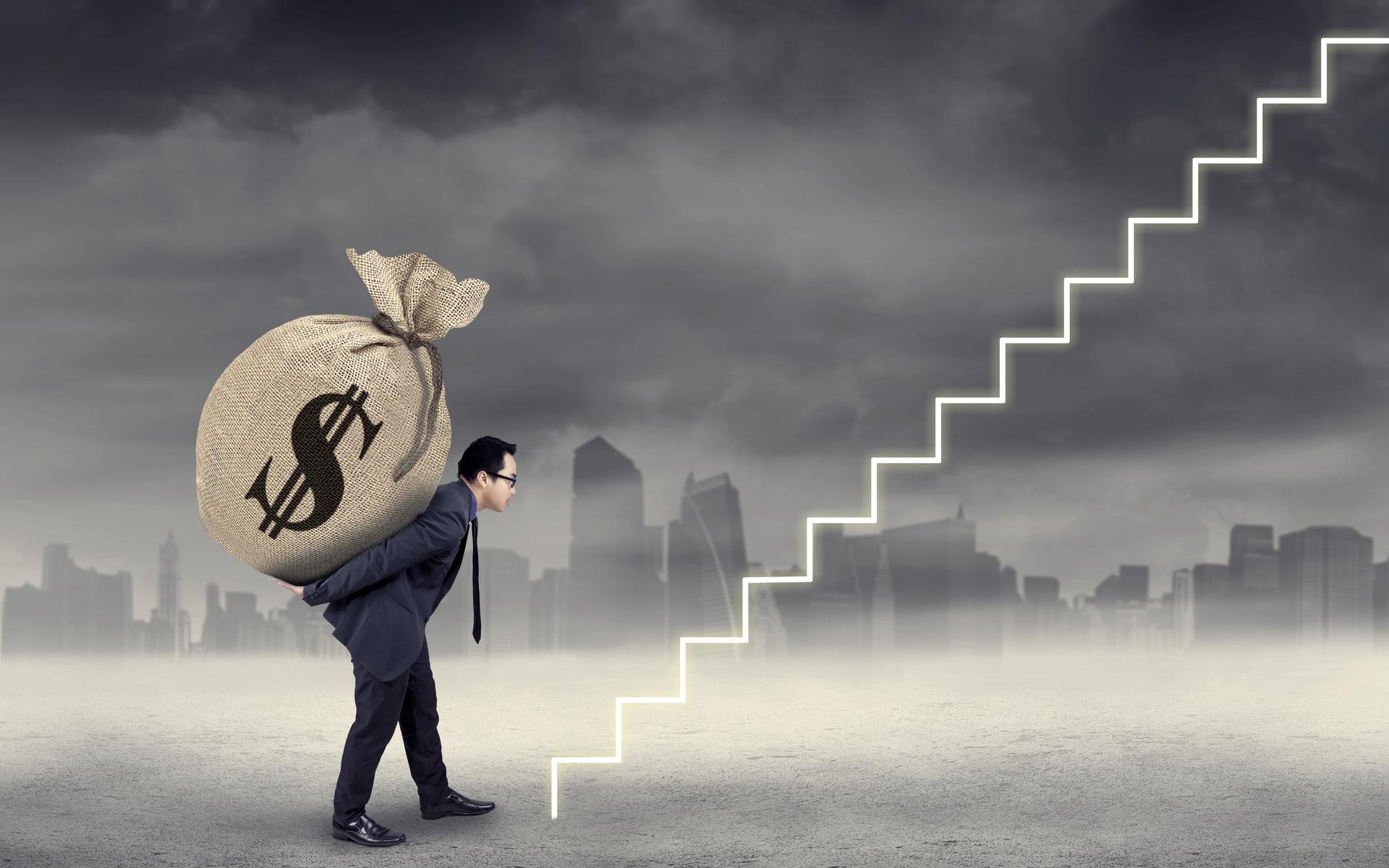 bitcoin needs $100K positive interest to keep $8K price