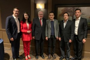 etoro yoni assia warren buffet dinner
