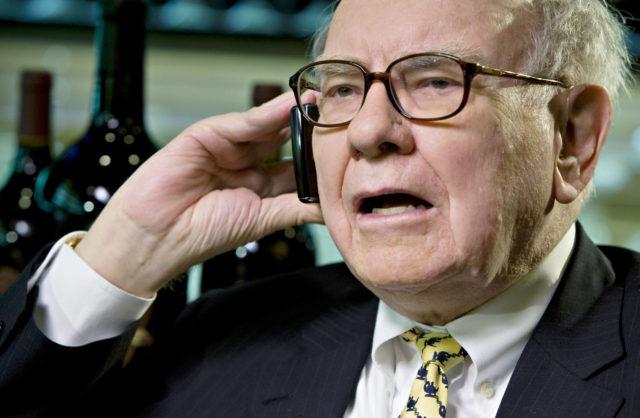 Warren Buffett Loses $28B in One Week, Should've Kept His Bitcoin