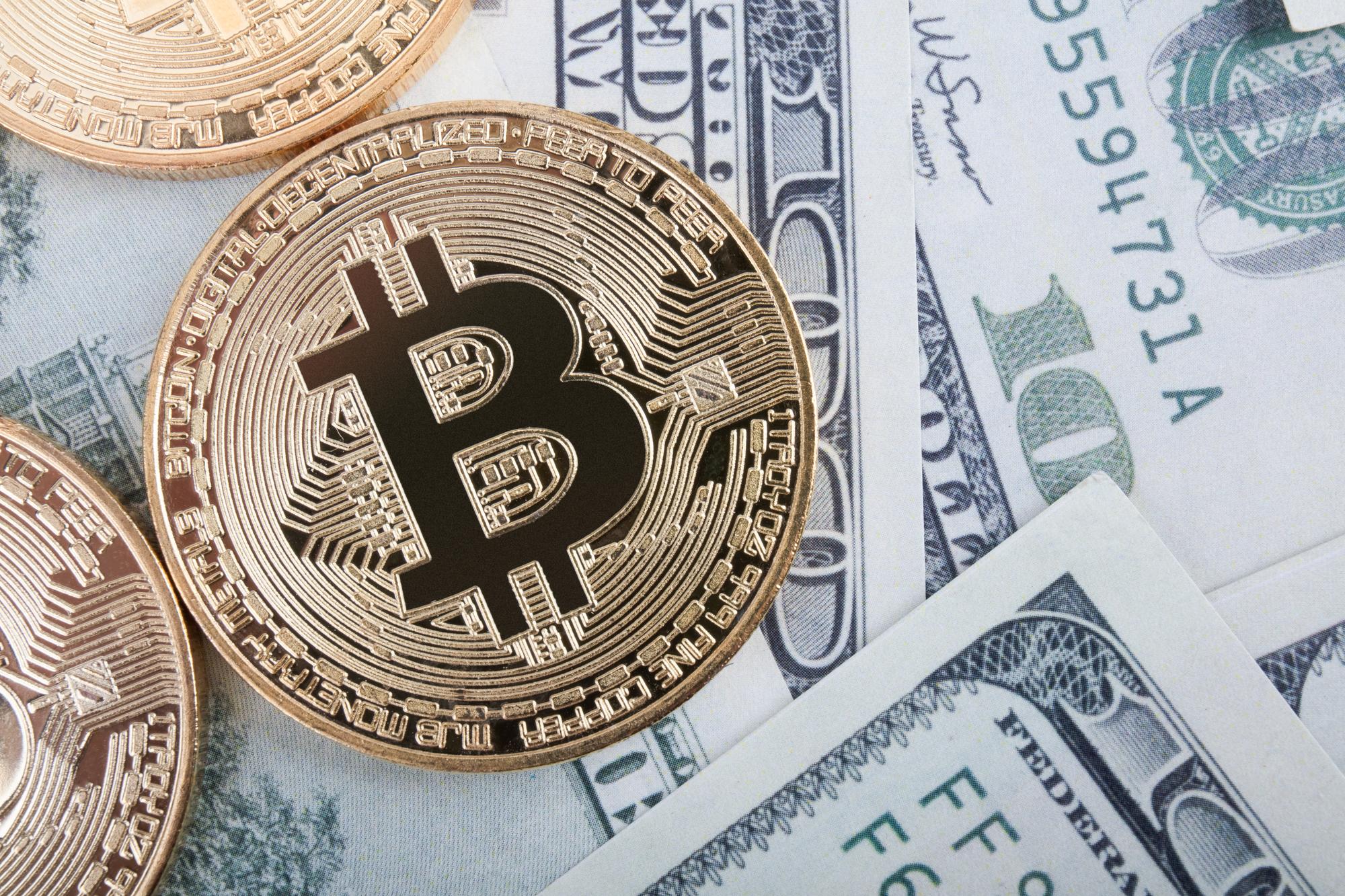 Bullish Bitcoin Ignores The Dollar's Dramatic Rebound0
