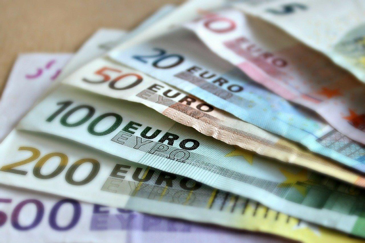 bank euro bond bitcoin ethereum bank-note-209104_1280