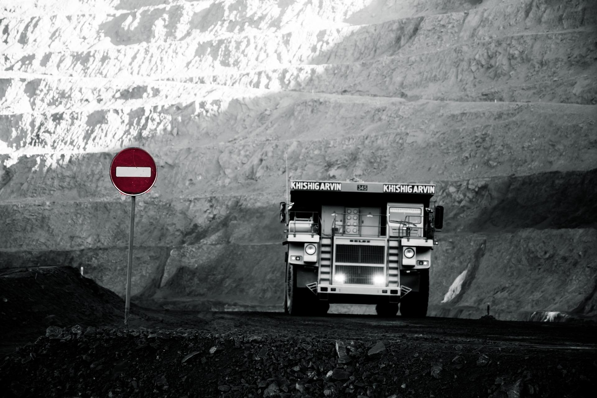 bitcoin mining miner btc dump-4711974_1920