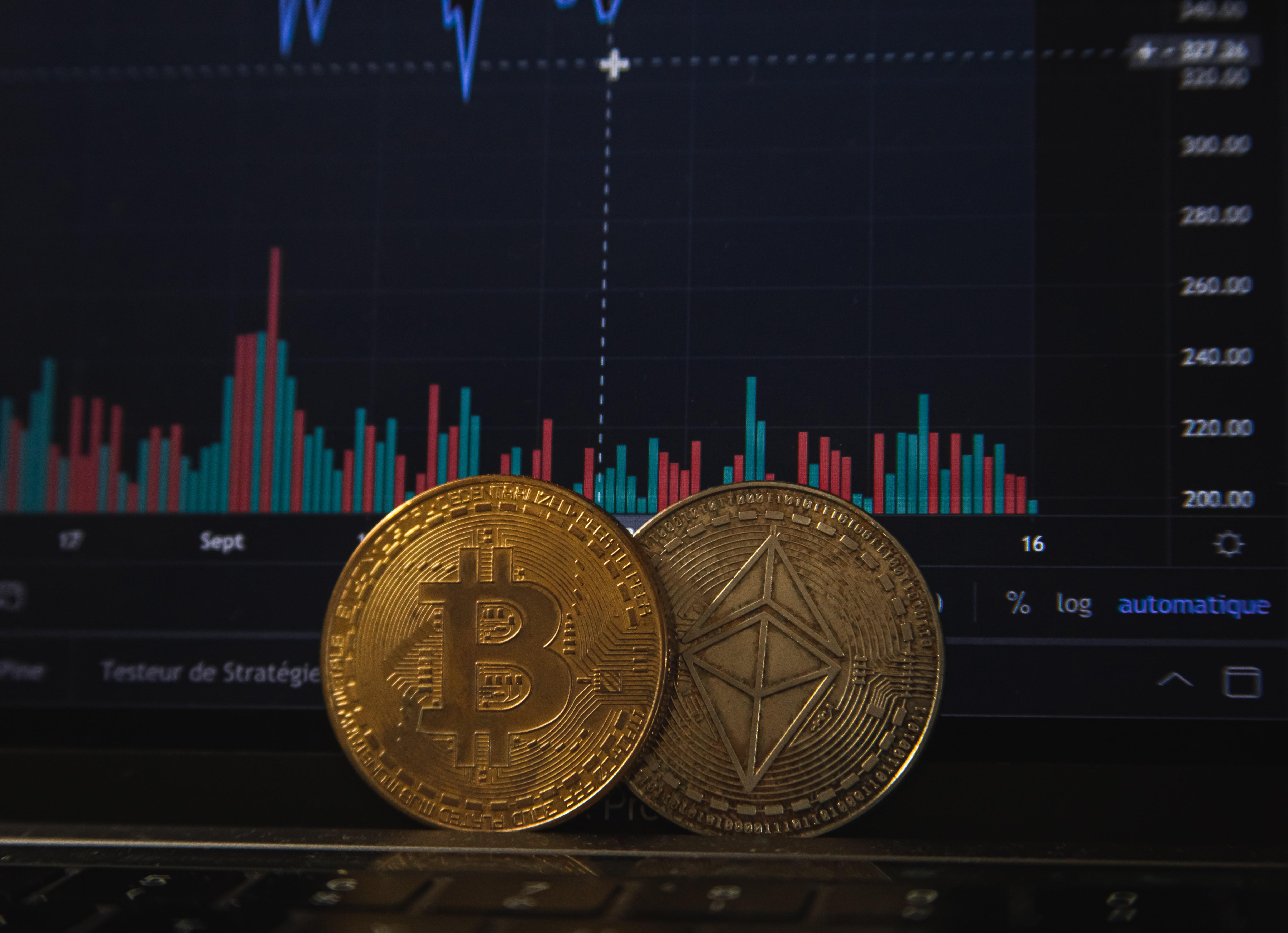 "U.S Currency Comptroller Calls For Crypto ""Regulatory Perimeter"""