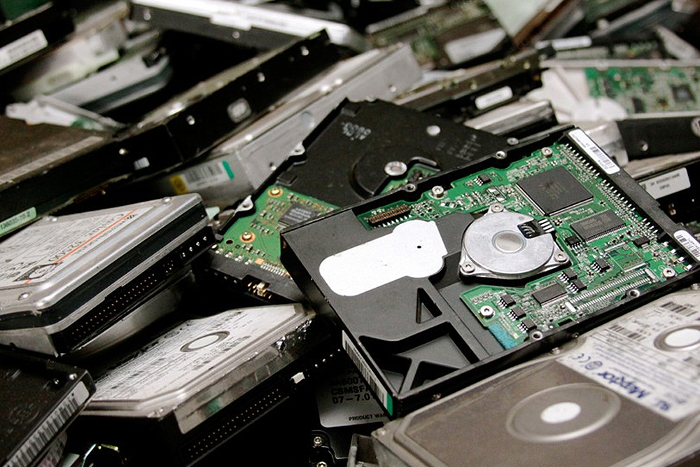 Man Who Dumped Hard Drive Containing $381M BTC Gets Hedge Fund Backing To Recover Hard Drive