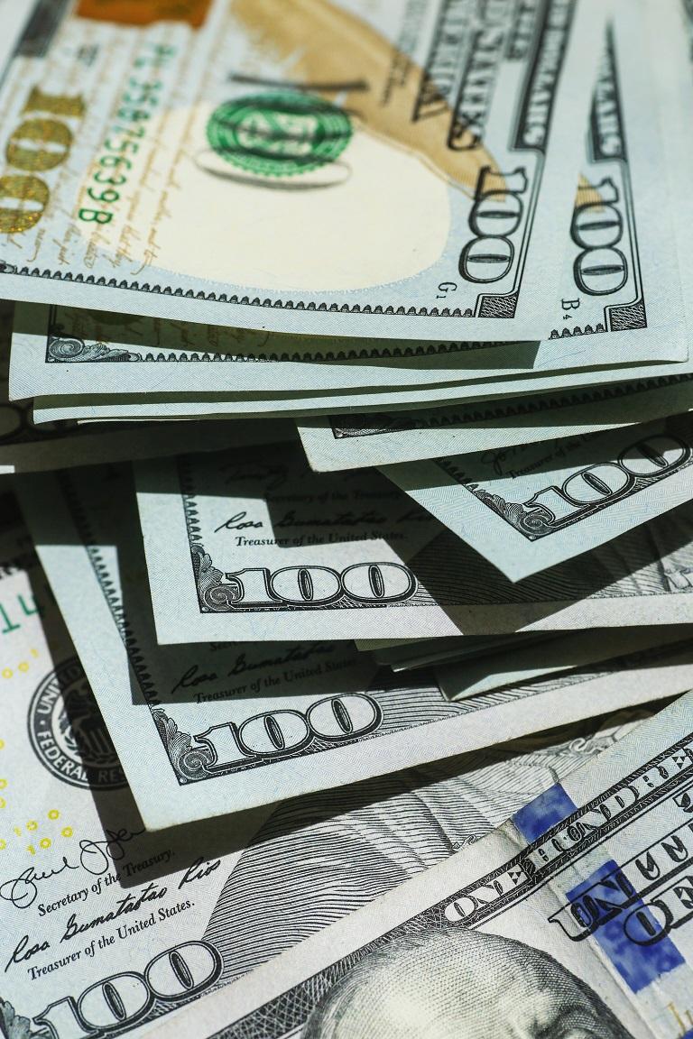 FTX, hundred dollar bills