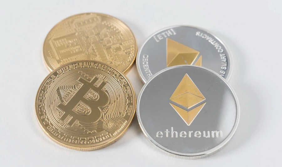 Why Bitcoin And Crypto Will Prevail Over The SEC, Ex-Goldman Sachs Breaks It Down