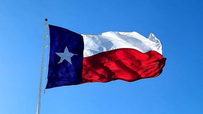 Ted Cruz, Texas flag flying